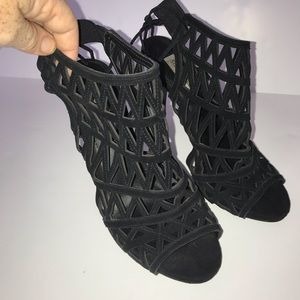Steve Madden Black Cage sandals 9M